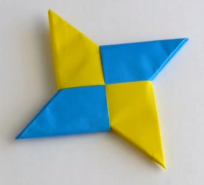 折り紙の 折り紙の箱の作り方 : 折り紙】手裏剣、箱、花 ...